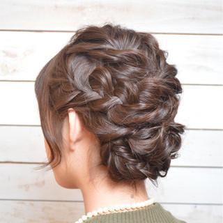 ねじり ミディアム 編み込み アップスタイル ヘアスタイルや髪型の写真・画像