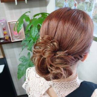 ピンクカラー ロング 結婚式髪型 ヘアアレンジ ヘアスタイルや髪型の写真・画像