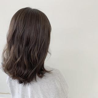ヘアアレンジ ミディアム コテ巻き ナチュラル ヘアスタイルや髪型の写真・画像