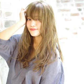 大人かわいい アッシュ ピュア パーマ ヘアスタイルや髪型の写真・画像