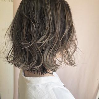 グレージュ ナチュラル ボブ ロブ ヘアスタイルや髪型の写真・画像