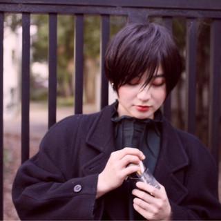黒髪 ショート モード 前髪あり ヘアスタイルや髪型の写真・画像