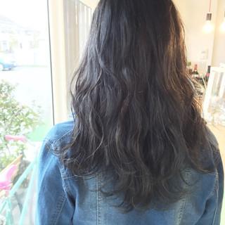 外国人風 ストリート 黒髪 外ハネ ヘアスタイルや髪型の写真・画像