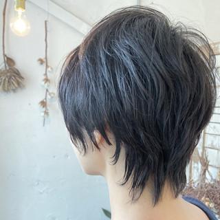 アッシュグレージュ ウルフ ナチュラルウルフ ウルフカット ヘアスタイルや髪型の写真・画像