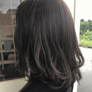 グレージュ 外国人風カラー アッシュグレージュ ミディアム ヘアスタイルや髪型の写真・画像