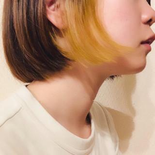 切りっぱなしボブ インナーカラー ボブ ミルクティーベージュ ヘアスタイルや髪型の写真・画像