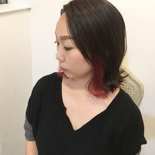 ロブ インナーカラー モード レッド ヘアスタイルや髪型の写真・画像