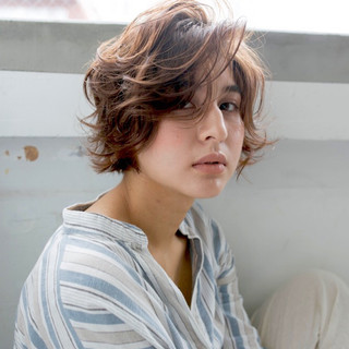 ミディアム アッシュ ハイライト アンニュイほつれヘア ヘアスタイルや髪型の写真・画像 ヘアスタイルや髪型の写真・画像