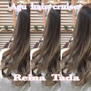 ロング ナチュラル 透明感 アッシュ ヘアスタイルや髪型の写真・画像