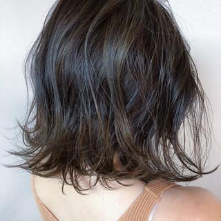 バレイヤージュ ヘアアレンジ ミディアム ナチュラル ヘアスタイルや髪型の写真・画像