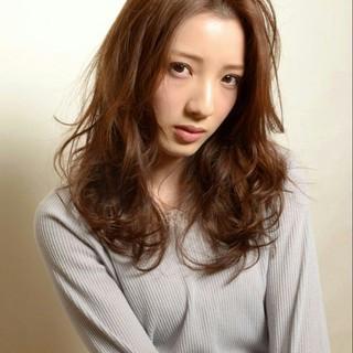 セミロング 前髪あり 外国人風 ナチュラル ヘアスタイルや髪型の写真・画像