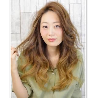 大人かわいい センターパート 外国人風 モテ髪 ヘアスタイルや髪型の写真・画像