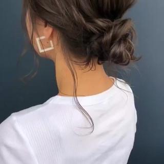 ヘアアレンジ ルーズ イルミナカラー お団子 ヘアスタイルや髪型の写真・画像