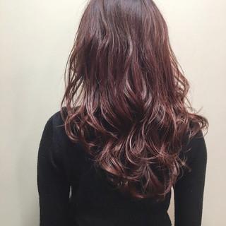 ピンク ピンクアッシュ パープル ナチュラル ヘアスタイルや髪型の写真・画像