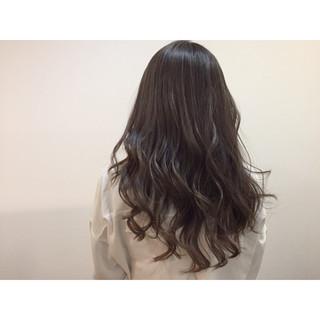 外国人風 ナチュラル グラデーションカラー アッシュ ヘアスタイルや髪型の写真・画像