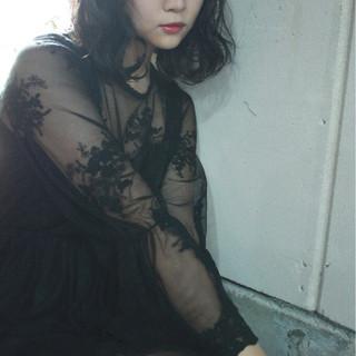 デート リラックス 外国人風 セミロング ヘアスタイルや髪型の写真・画像