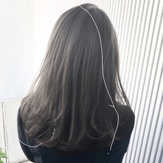 セミロング グレージュ 前髪 髪質改善 ヘアスタイルや髪型の写真・画像