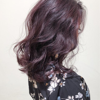 外国人風 ピンク パープル ミディアム ヘアスタイルや髪型の写真・画像