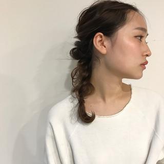 ミディアム 簡単ヘアアレンジ ヘアアレンジ ナチュラル ヘアスタイルや髪型の写真・画像 ヘアスタイルや髪型の写真・画像