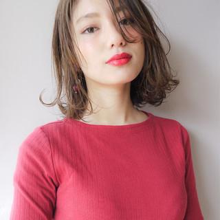 ゆるふわ 大人かわいい アンニュイ 外ハネ ヘアスタイルや髪型の写真・画像