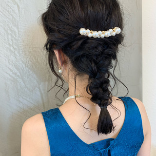 セミロング ナチュラル 編み込み 結婚式 ヘアスタイルや髪型の写真・画像