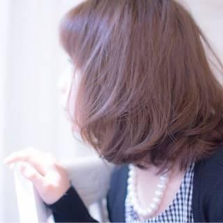 グレー 大人かわいい ラベンダー アッシュ ヘアスタイルや髪型の写真・画像