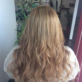 ヘアカラー ロング ハイトーンカラー ガーリー ヘアスタイルや髪型の写真・画像
