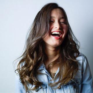モード ハイライト ロング 渋谷系 ヘアスタイルや髪型の写真・画像 ヘアスタイルや髪型の写真・画像