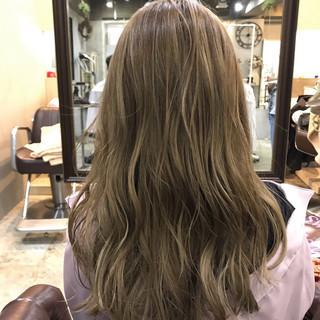 デート フェミニン バレイヤージュ 春スタイル ヘアスタイルや髪型の写真・画像