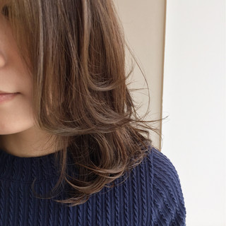 冬 外国人風 ゆるふわ ミディアム ヘアスタイルや髪型の写真・画像