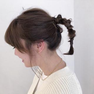 シアーベージュ カーキアッシュ ミディアム ヘアアレンジ ヘアスタイルや髪型の写真・画像