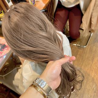 セミロング ヘアアレンジ 結婚式 ミルクティーベージュ ヘアスタイルや髪型の写真・画像