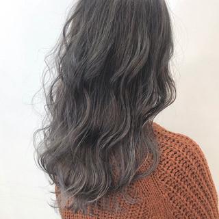 透明感 バレイヤージュ グレージュ 圧倒的透明感 ヘアスタイルや髪型の写真・画像