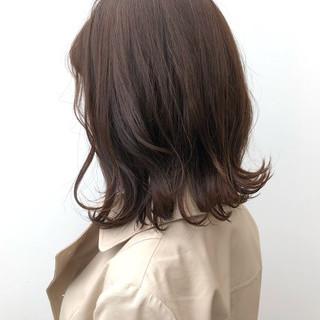 外ハネ デート グレージュ ロブ ヘアスタイルや髪型の写真・画像 ヘアスタイルや髪型の写真・画像