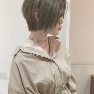 ショート グレージュ 外国人風 大人かわいい ヘアスタイルや髪型の写真・画像