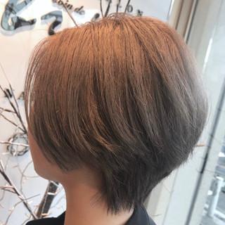 グレージュ ナチュラル ダブルカラー ショート ヘアスタイルや髪型の写真・画像