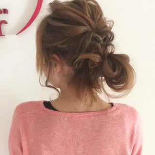 ヘアアレンジ ナチュラル ショート お団子 ヘアスタイルや髪型の写真・画像 ヘアスタイルや髪型の写真・画像