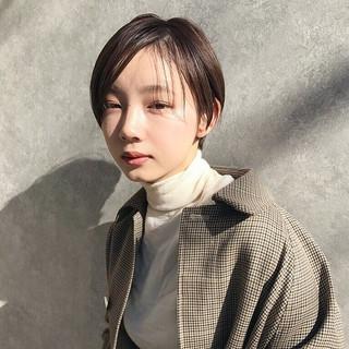 大人かわいい ショート 黒髪 ナチュラル ヘアスタイルや髪型の写真・画像