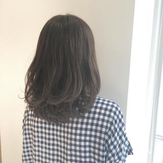 ストリート ゆるふわ アッシュ 外国人風 ヘアスタイルや髪型の写真・画像 ヘアスタイルや髪型の写真・画像