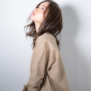 ゆるウェーブ セミロング ゆるナチュラル ヘアアレンジ ヘアスタイルや髪型の写真・画像 ヘアスタイルや髪型の写真・画像