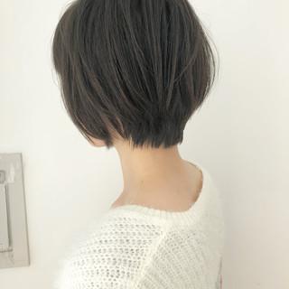 アンニュイほつれヘア 小顔ショート ショートヘア ナチュラル ヘアスタイルや髪型の写真・画像 ヘアスタイルや髪型の写真・画像