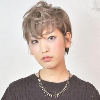 ハイライト 外国人風 ストリート ショート ヘアスタイルや髪型の写真・画像
