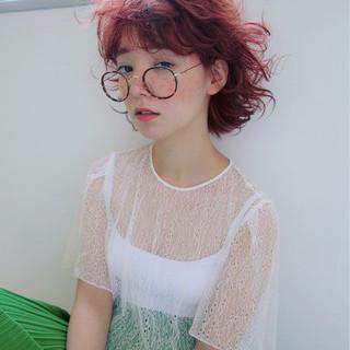 大人女子 外国人風 くせ毛風 パーマ ヘアスタイルや髪型の写真・画像
