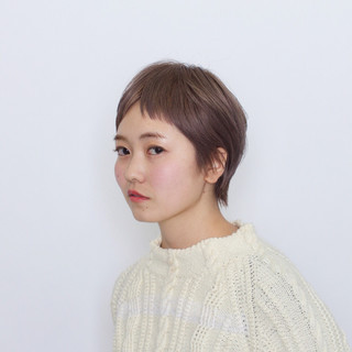 ダブルカラー ブリーチ ナチュラル ショート ヘアスタイルや髪型の写真・画像
