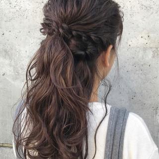 ヘアアレンジ ナチュラル アンニュイほつれヘア 結婚式 ヘアスタイルや髪型の写真・画像