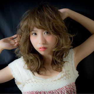 かわいい ミディアム ナチュラル くせ毛風 ヘアスタイルや髪型の写真・画像