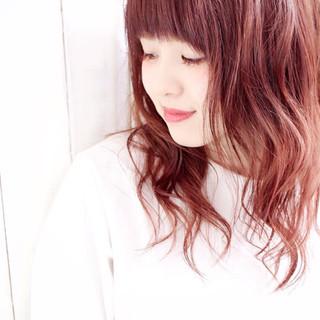 レッド ピンク 外国人風 ミディアム ヘアスタイルや髪型の写真・画像