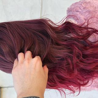 ピンクベージュ セミロング ピンクバイオレット ベリーピンク ヘアスタイルや髪型の写真・画像