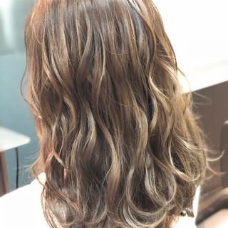 艶髪 こなれ感 冬 ナチュラル ヘアスタイルや髪型の写真・画像