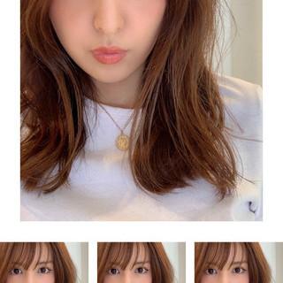 ナチュラル 前髪あり かき上げ前髪 ふんわり前髪 ヘアスタイルや髪型の写真・画像